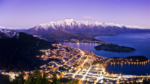 queenstown-by-night.jpg